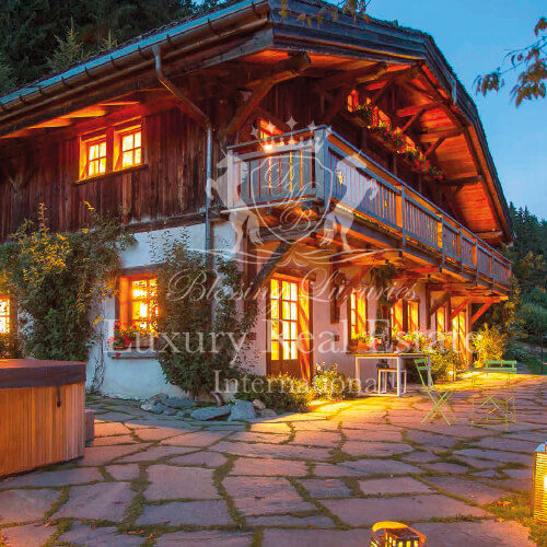 France – Megève: Exceptional Chalet, exceptional views facing the Mont Blanc, exceptional piece of a nature home, seeking his new owners!